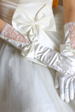 Svadobné rukavice Izba Jesenné Glamour Čipka Materiál Bow Tie