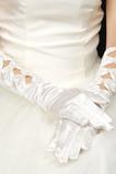 Teplý satén plný prst na jeseň vhodné biele svadobné rukavice