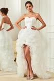 Asymetrické Vysoký nízky Satén Skladaný Vonkajšie Svadobné šaty