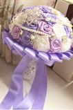 Purple tému svadobné nevesty kytice ruže diamant perla ručné vziať kvety