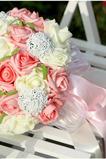 Simulácia 30 priadza zariadenia s nevestou kytice ruží po celej oblohe hviezda
