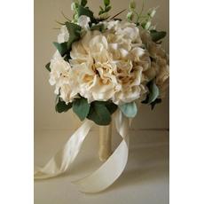 Nový 2017 drží kvety bielej šaty bielej ruky v ruke