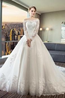 1121e1e96472 Vyberte vhodnú farbu Princezná svadobné šaty. Na našom webe 1saty.sk ...