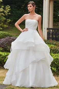 Viacvrstvový Formálne A Riadok Vonkajší Stupňová Svadobné šaty