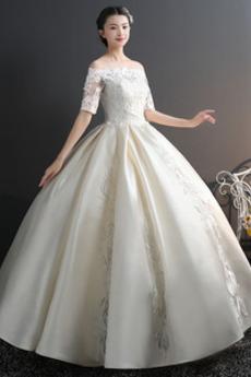 Off rameno A linka Formálne Jar Čipkou Overlay Svadobné šaty